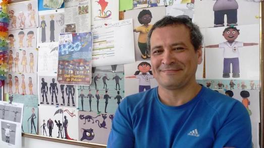 """Alvaro Caceres dans les studios de sa compagnie """"Albatros"""", Caracas décembre 2012."""
