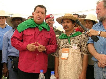 Hugo Chavez visite une unité de production du Mouvement des Sans Terre (Brésil, Tapes, janvier 2003)