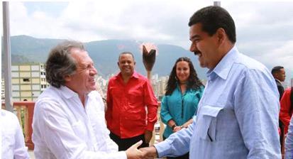 Le Chancelier uruguayen Almagro et le Président vénézuélien Maduro à Caracas, le 26 mars 2013.