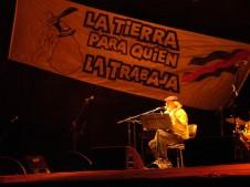 Daniel_Viglietti_-_La_tierra_para_quien_la_trabaja