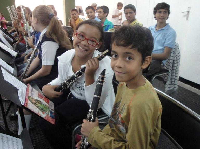 Dante_happy-band-kids