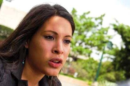 L'avocate Andreina Tarazón est nommée Ministre de la Femme et de l'Égalité de genres. Priorités de cette militante féministe : former et intégrer les femmes des secteurs populaires dans les projets socio-productifs pour lutter efficacement contre la pauvreté et mettre fin aux violences et aux discriminations qui ont survécu dans une société marquée par le machisme.