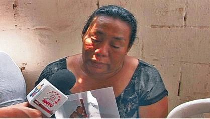 La mère de Luis García (24 ans) assassiné le 15 avril à Maracaibo.
