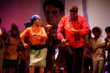 Le président Nicolas Maduro lance le Mouvement national de formation théâtrale César Rengifo, le 21 octobre 2013.
