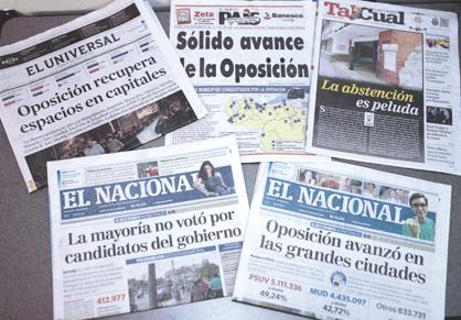 """Échantillon de la presse de droite vénézuélienne qui nie la défaite : """"la majorité n'a pas voté pour les candidats du gouvernement"""" (El Nacional"""", """"L'opposition a avancé dans les grandes villes"""" (El Nacional), """"Très forte abstention"""" (Tal Cual), """"Solide avancée de l'opposition"""" (El País), """"L'opposition récupère des espaces dans la capitale"""" (El Universal"""", etc..."""