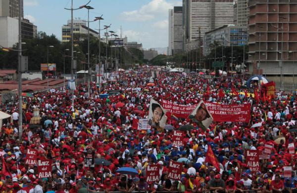 Caracas, le 15 février 2014. Mobilisation pacifique de la jeunesse face à la violence de l'extrême-droite. Image invisible dans les grands médias.