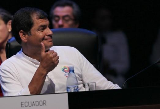 """Le présidet Correa : """"Comment croire dans l'OEA, incapable de condamner l'occupation anglaise des Malouines, et dont le siège se trouve dans le pays qui maintient le blocus criminel de Cuba ?"""""""