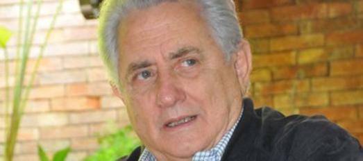 Henrique Salas Römer. ex-candidat présidentiel de la droite en 1998, ex-gouverneur de l'État de Carabobo; après sa défaite électorale face au candidat Chávez, a été impliqué dans plusieurs plans de déstabilisation depuis Panamá.