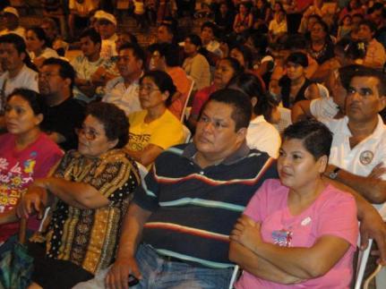 Première du film à Managua, quartier populaire de San Judas.