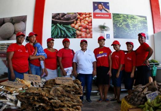 Travailleuses de l'Entreprise de Propriété Sociale Directe Communale – Unité d'Approvisionnement.