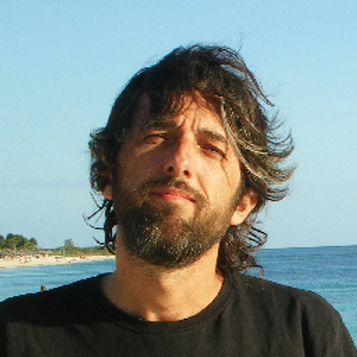 Alfredo Serrano Mancilla est docteur en Economie de l'Université Autonome de Barcelone, avec Post-Doctorat en Economie de l'Université Laval (Canadá). Directeur du Centre Stratégique Latinoaméricain Géopolítique http://www.celag.org/. Professeur universitaire de la FLACSO (Equateur), Universidad Andina et UMSA (Bolivie), Universidad Hermosillo et UNAM (Mexique), Univ. Pablo de Olavide de Sevilla (Espagne), Université Santa Marta (Colombie).
