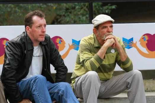 A gauche, T.D., auteur de ce Blog avec Juan Plaza, un vieil ami du Mouvement Bolivarien rencontré en 1995.