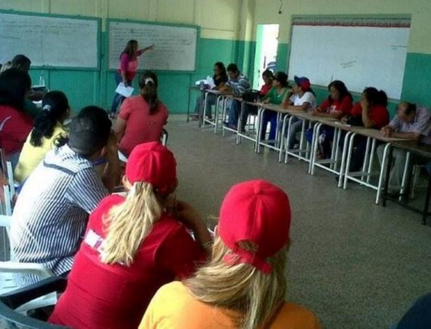 Assemblée du PSUV pour postuler des candidats aux primaires de juin 2015.