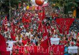 Brésil, marche pour la démocratisation de la vie politique.