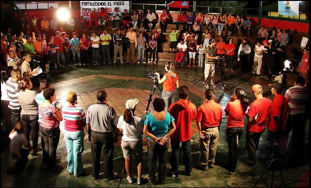 L'Assemblée générale des conseils communaux et des communes est la plus haute instance de décision selon la loi vénézuélienne