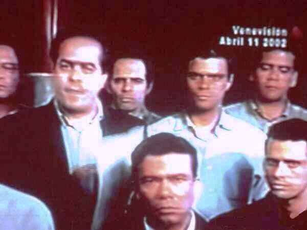 Avec la crème de l'extrême droite et du patronat, lors du coup d'État contre le président Chávez en avril 2002