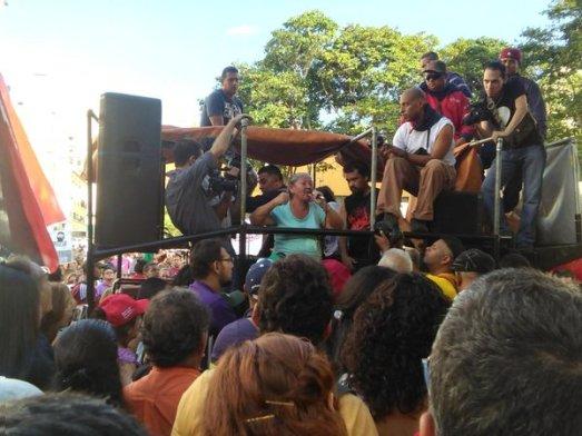assemblée populaire en cours á Caracas
