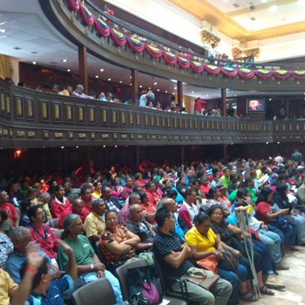 Session inaugurale du parlement communal national, Caracas, 15 décembre 2015