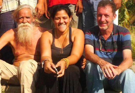 Walter Lanz (gauche), Luisa Araujo du Collectif Cimarron et Thierry Deronne, auteur de ce blog (droite)