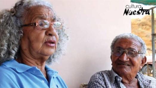"""Amelia et son époux, qu'elle a """"connu"""" après avoir eu 11 enfants de lui."""