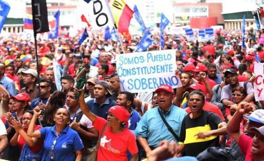 Venezuela: coup de projecteur sur les zones d´ombre médiatiques Dbl6xjlxyaa3iid-560x343