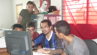 docente Jesus Reyes (en el centro) taller en Caquetios, Lara, agosto 2017