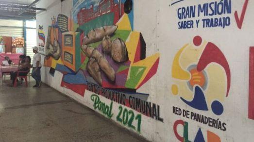 _98563670_mural