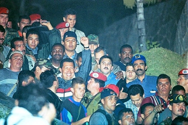 Chavez de retour apres le coup d-Etat 2002