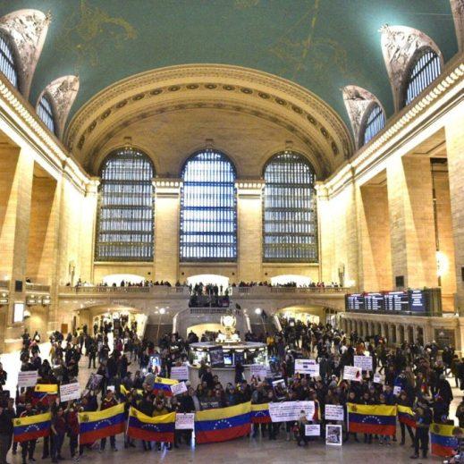 """""""Un mundo sin mordaza"""" monte des campagnes internationales contre le gouvernement bolivarien en utilisant les fonds de l'""""aide humanitaire"""""""